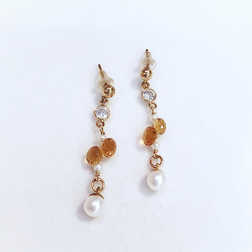 Jeanette Earring by Mabel Chong