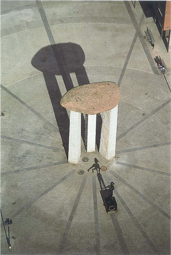 6--Plaza-Dalí,-R.-Masats.jpg