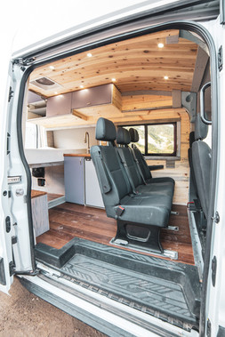 Ford-Transit-Campervan-Conversion-9435.J
