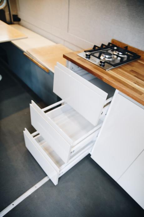 Propane Stove and Drawers