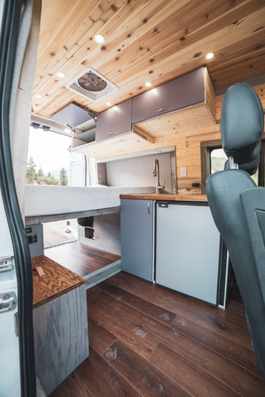 Ford-Transit-Campervan-Conversion-9436.J