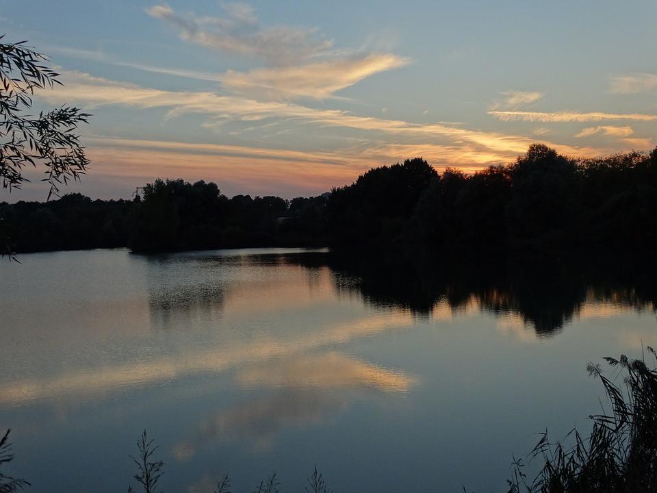 sunset-1736036_960_720.jpg