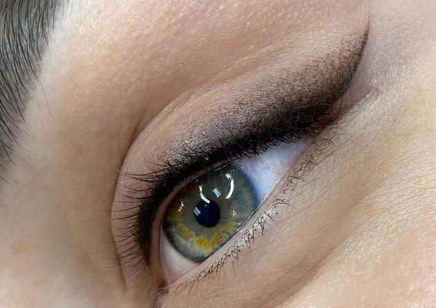 Powdered eyeliner