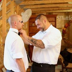 Little extra help is well appreciated!#buffalove #trending #newyork #destinationwedding #groomsmen #