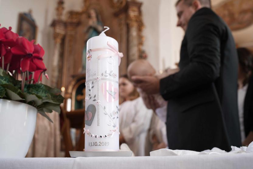 Taufe-Foto-Kirche.jpg