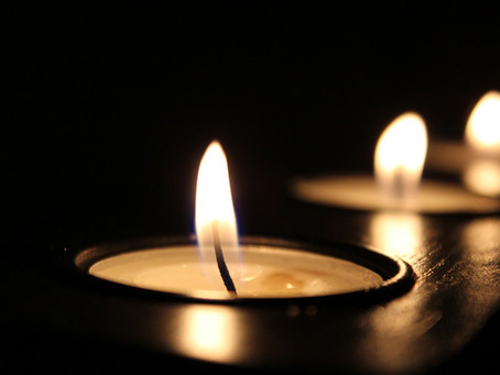 T R A T A K A  · Lichtmeditation mit einer Kerze