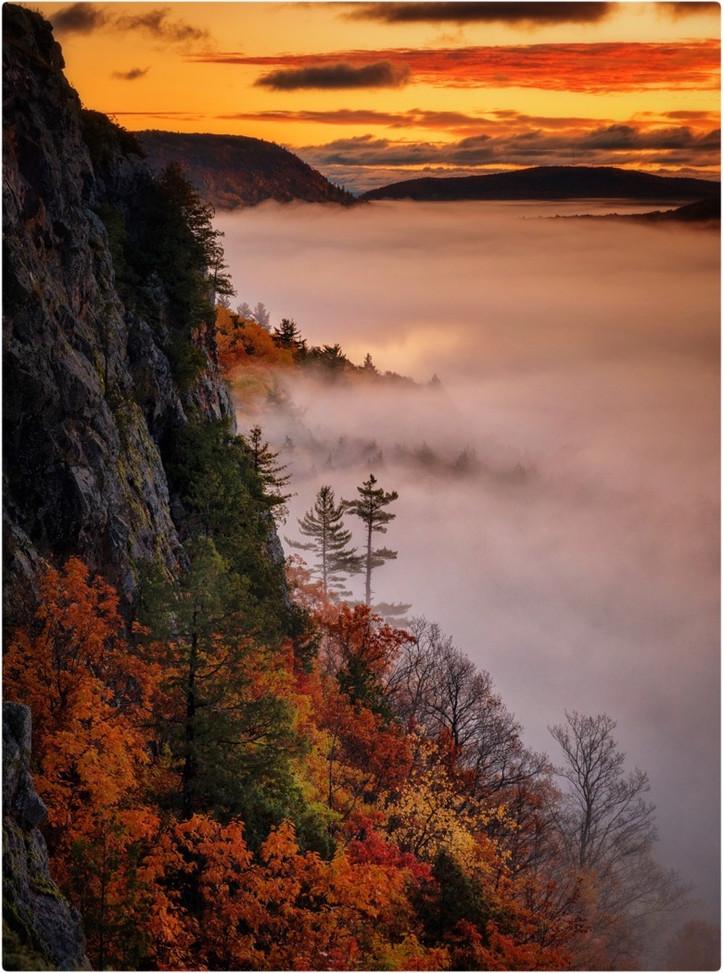 Cloud Lake at Dawn By Chong Wu, HP Class AA