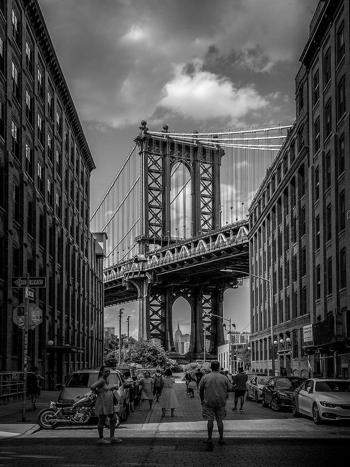 Bridge to Manhattan
