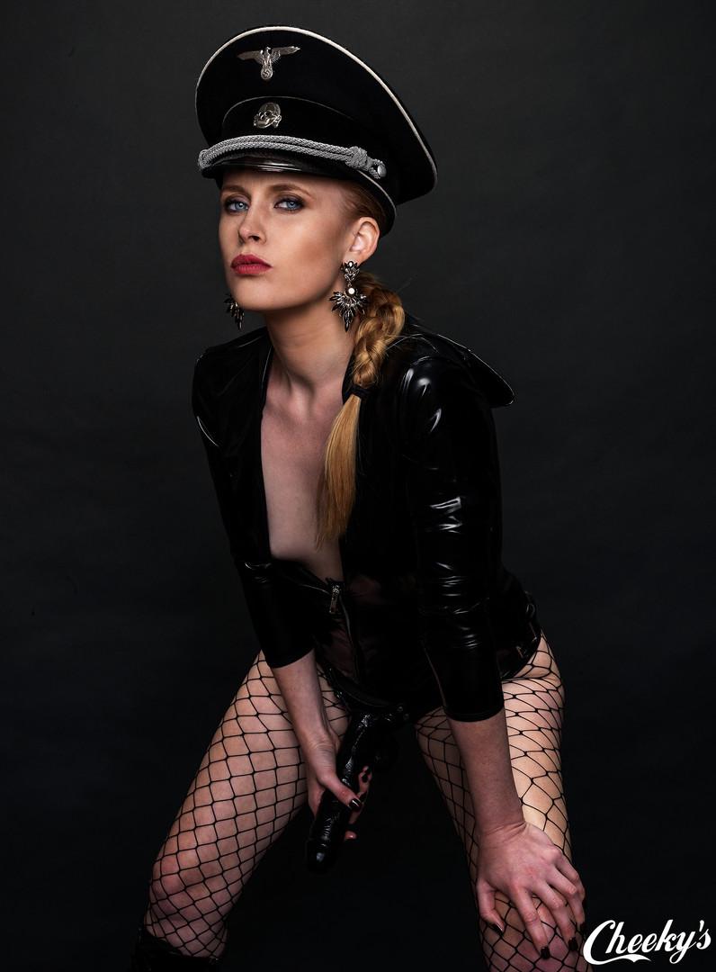 Mistress-Arielle5.jpg