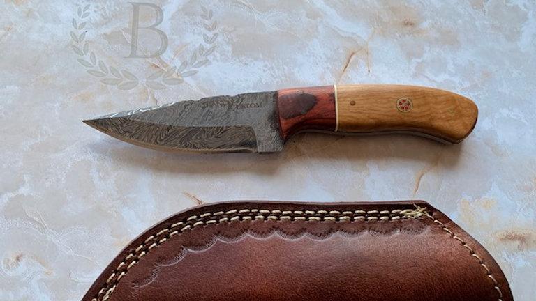 """BI-84103: Custom 8"""" Damascus Steel Knife"""
