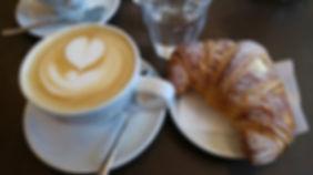 cappuccino-con-latte di mandorle (1).jpg