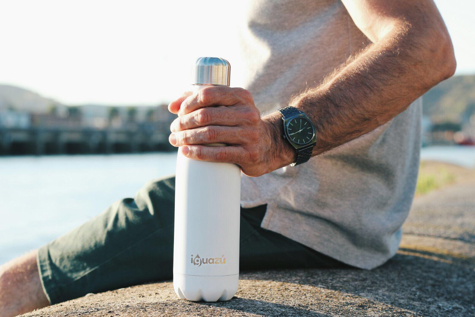 Botella Iguazú color blanco