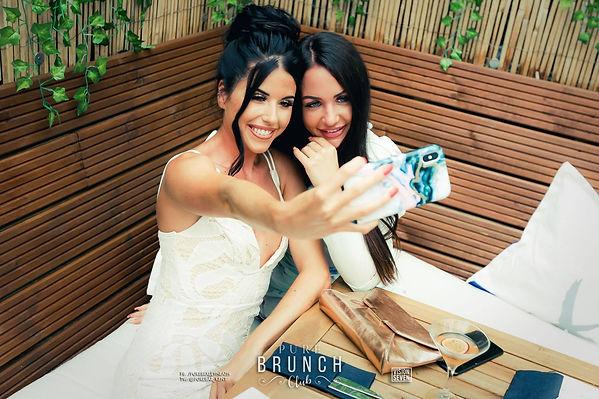 brunch selfie 1.jpg