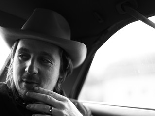 Sturgill Simpson: Fretting For those Who Can't