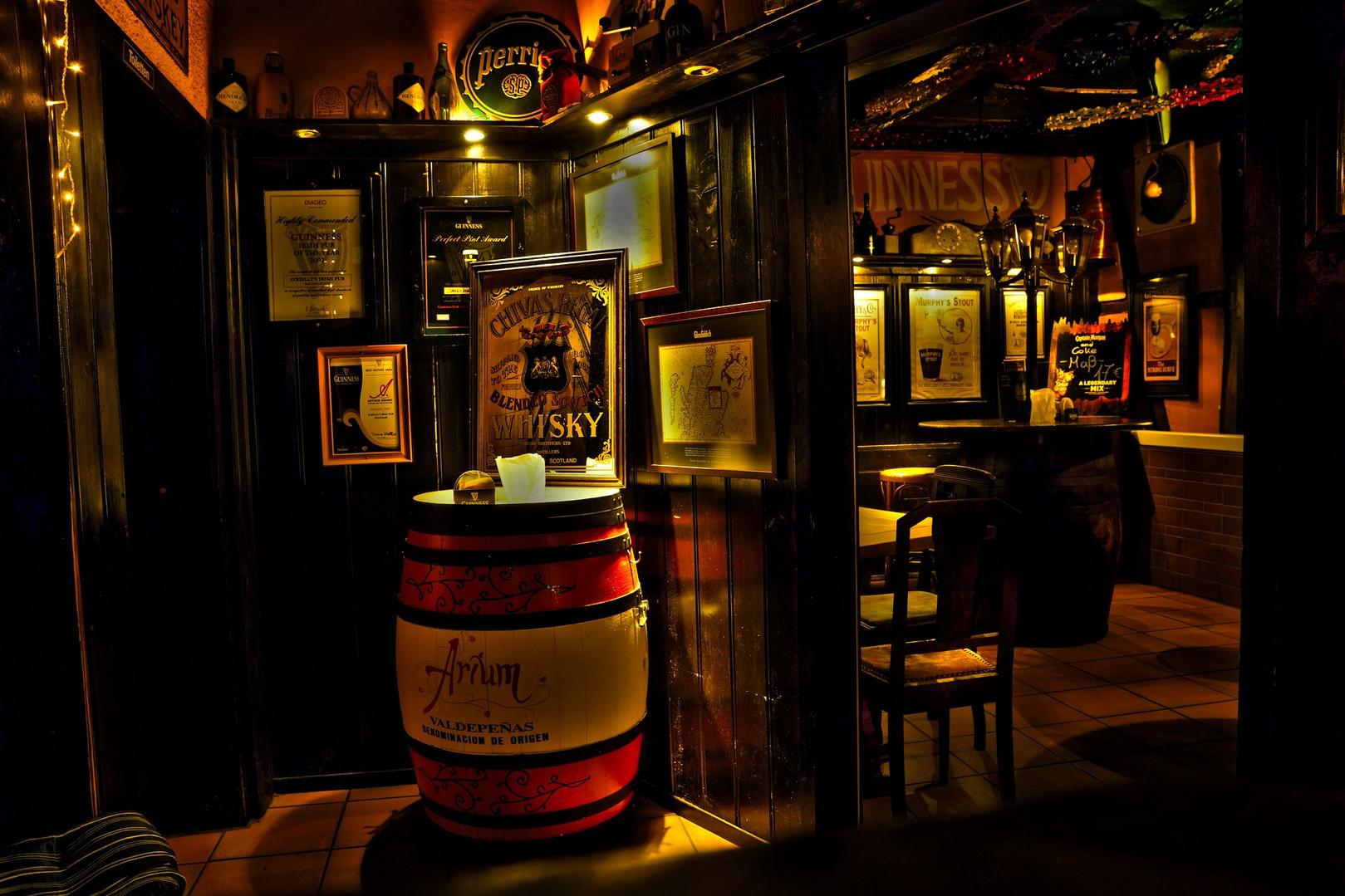 pub-2271549_1920.jpg