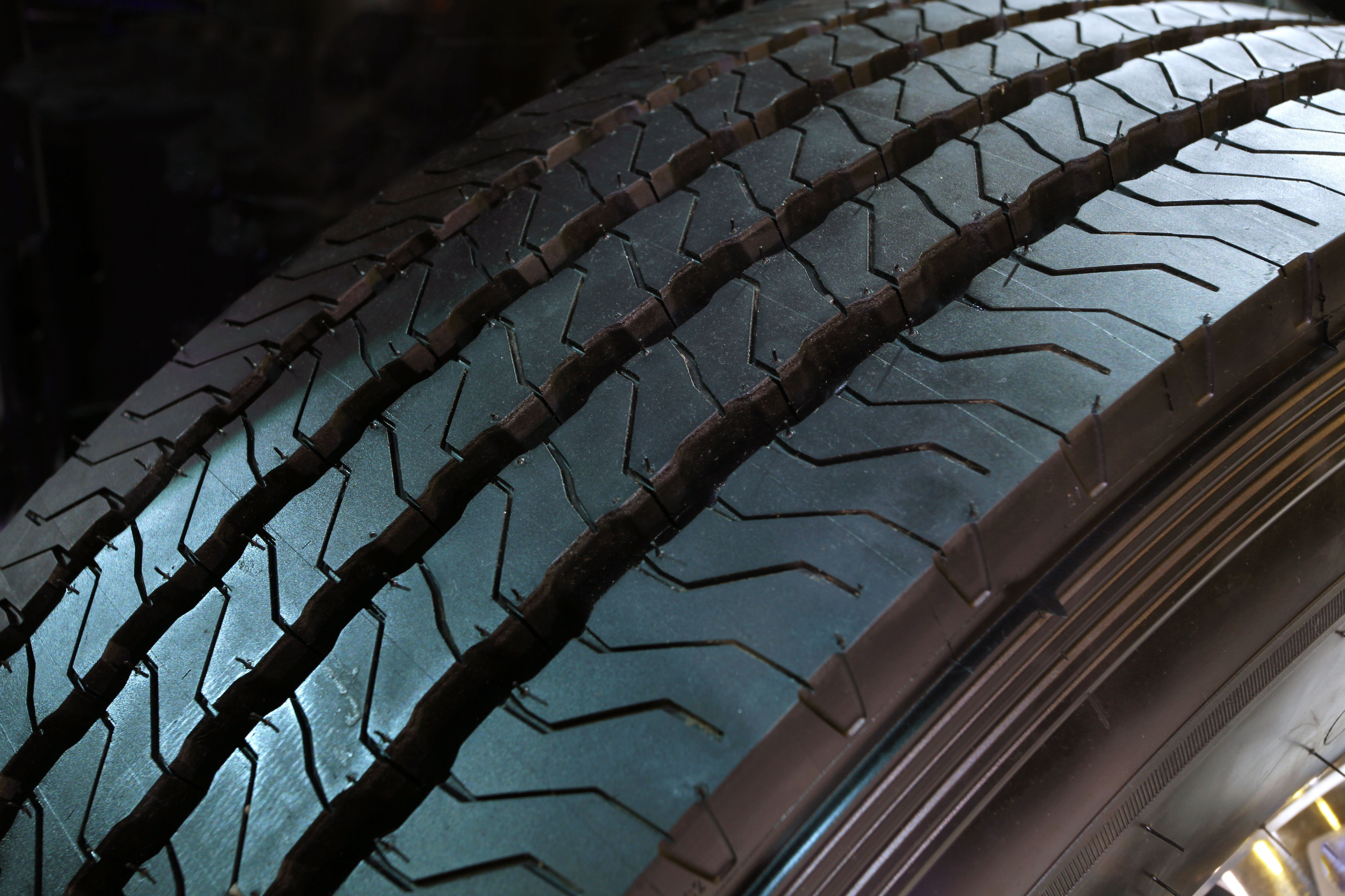 WELCOME TO COMMERCIAL CONTRACT TYRES