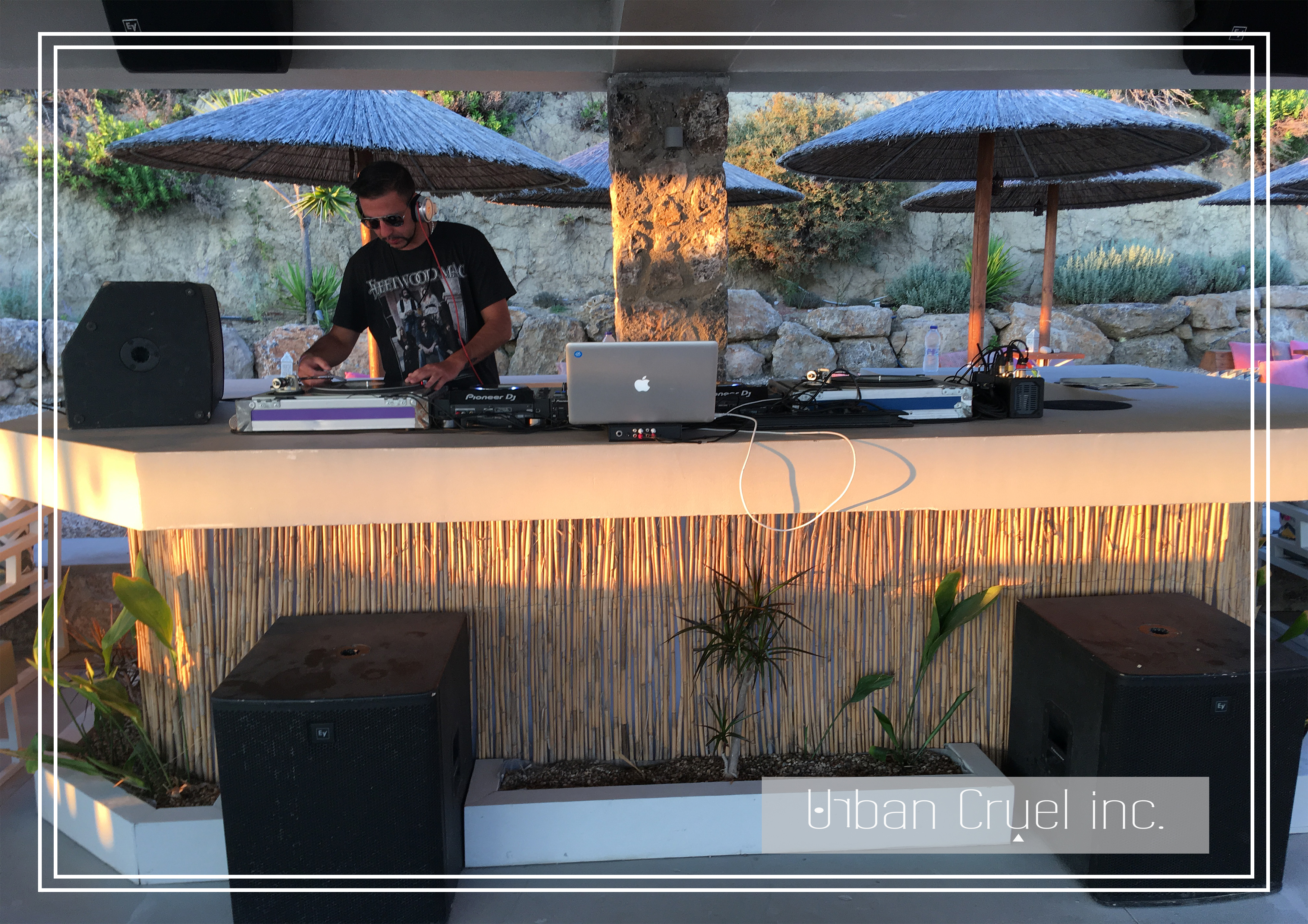 Andy Stone DJ - MikroNisi Beach Venue Gr