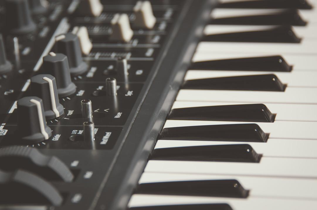 electronic-keyboard-keyboard-music-18502
