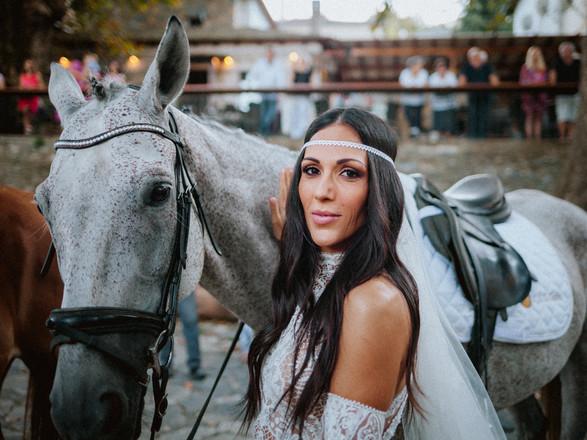 Μαγευτικός γάμος της Ανθής Βούλγαρη στο Πήλιο!
