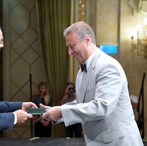 Balog Zoltán Miniszter Úr átadja a Magyar Érdemrend Tisztikereszt- Polgári Fokozatát , 2017 augusztus 20 alkalmából.