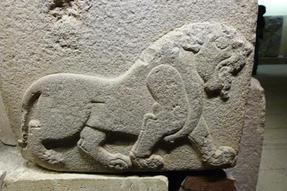 Hettita oroszlán az ankarai múzeumban…láthatóan asszír hatások nyomán.