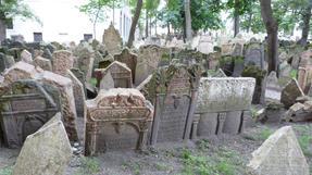 Prágai zsidótemető-ezúttal turistatolongás nélkül.