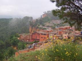 A vörös festék legjobb alapanyaga: Roussillon, Provence.