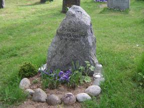 Északon-Norvégia- számos helyen eleve a Természetbe temetkeznek.