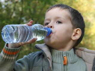 10 coisas que acontecem no seu corpo quando você bebe água