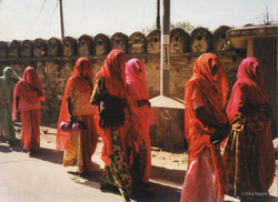 Procession femmes indiennes