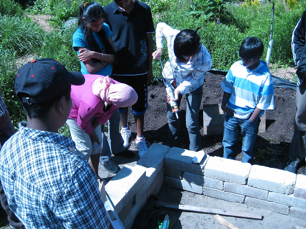 Building earth block bed