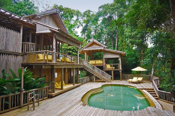 Bay-View-Pool-suite2.jpg