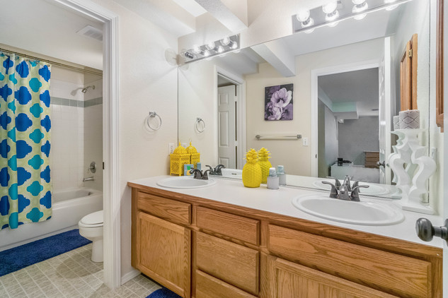 28 Full Bathroom-Edit.jpg