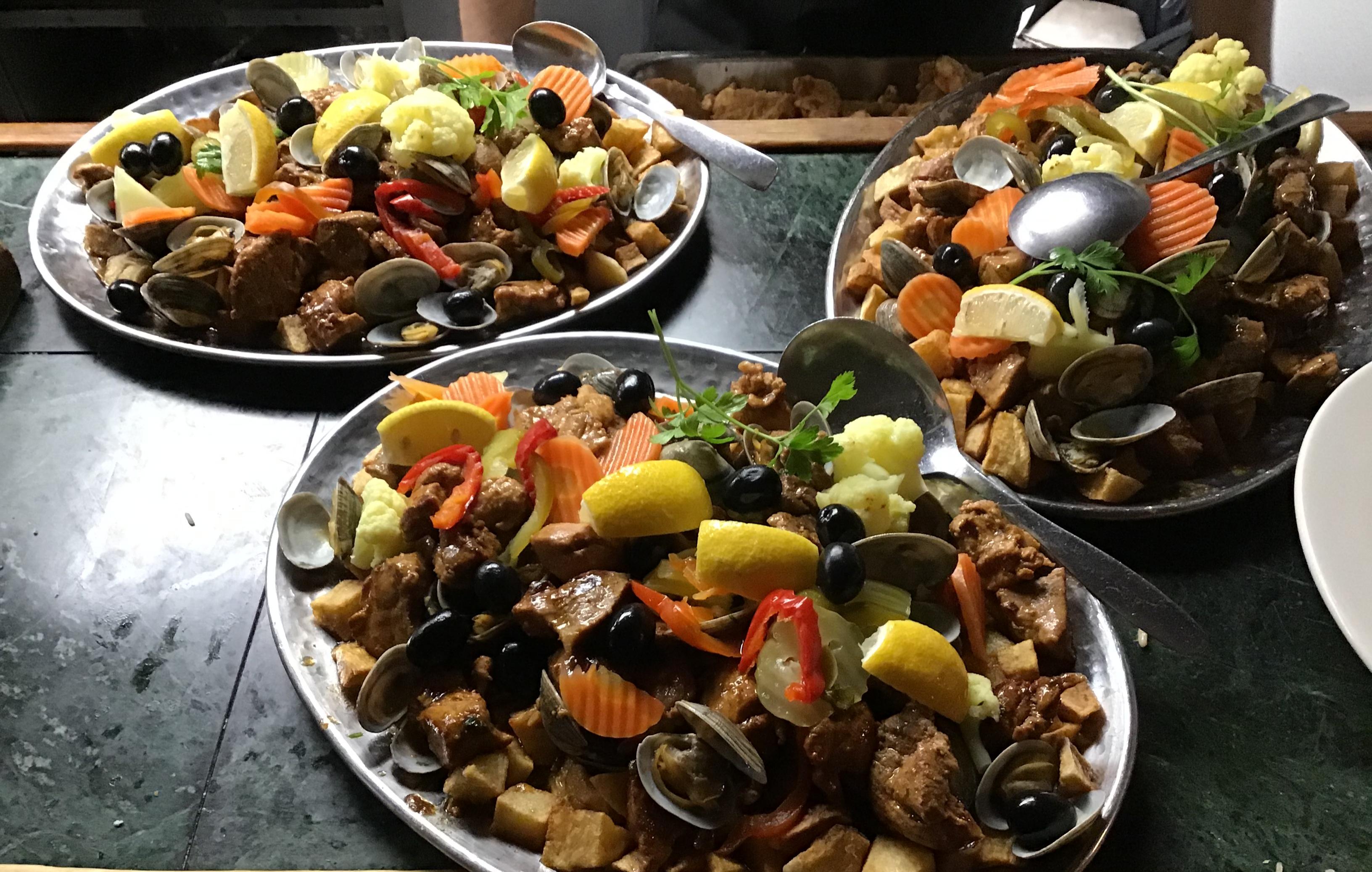 Family style Carne Porco Alentejana