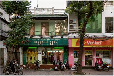 Garie Waltzer, Hanoi/ Ao Dai Shop/ Vin Mart, 2017/2019