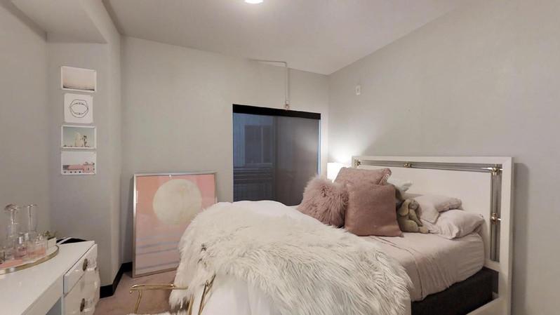 dvdcAhoRVk9 - Bedroom.jpg