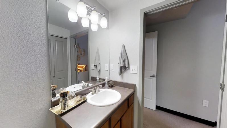 dvdcAhoRVk9 - Bathroom(2).jpg