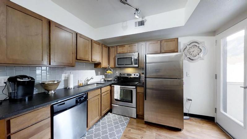 dvdcAhoRVk9 - Kitchen(1).jpg