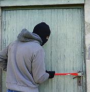 thief-1562699_1920.jpg