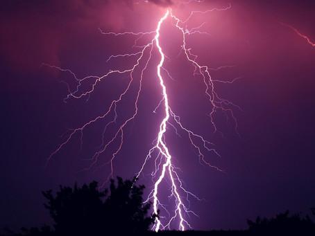 Nella Tempesta - Omaggio di un Sensitivo alla Sacra Madre Natura