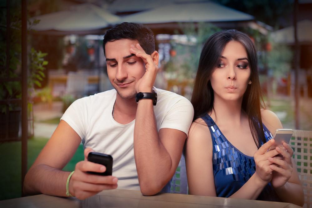"""ד""""ר מיכל צוקר מלמדת איך להתמודד עם קנאה בזוגיות ולייצר זוגיות מוצלחת"""