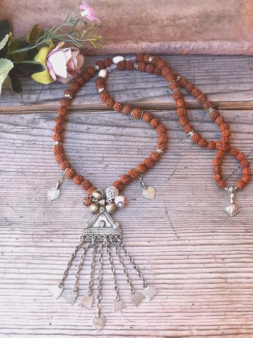 Ethnische Rudraksha Halskette