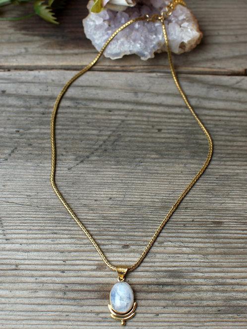 Mondstein Halskette