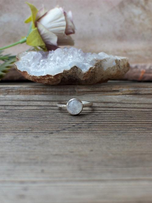 Feiner Mondstein Ring