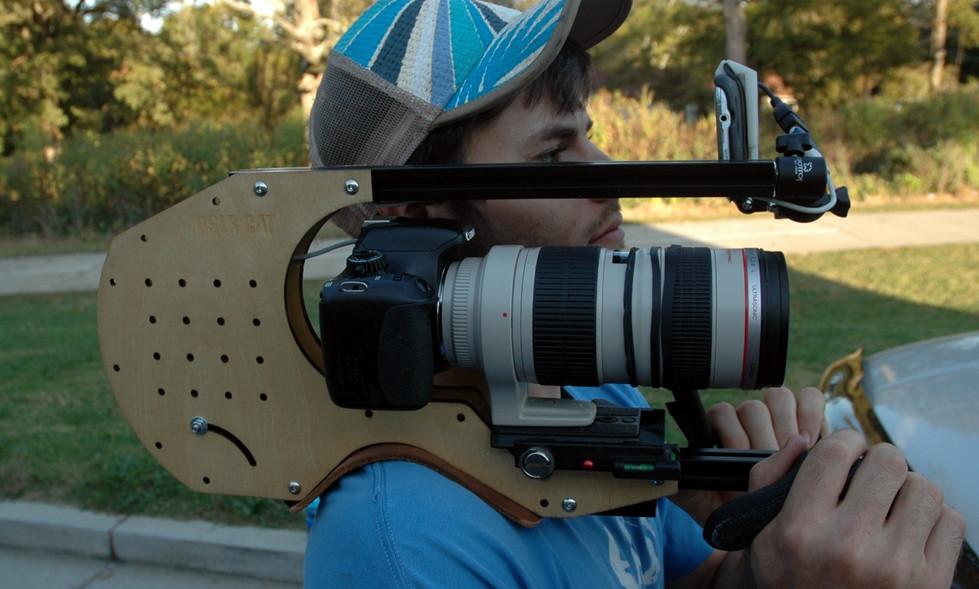 FocusShifter_on_Canon_70-200mm_f2.8l_on_DSLR_CAT_Shoulder_Rig_3.jpg