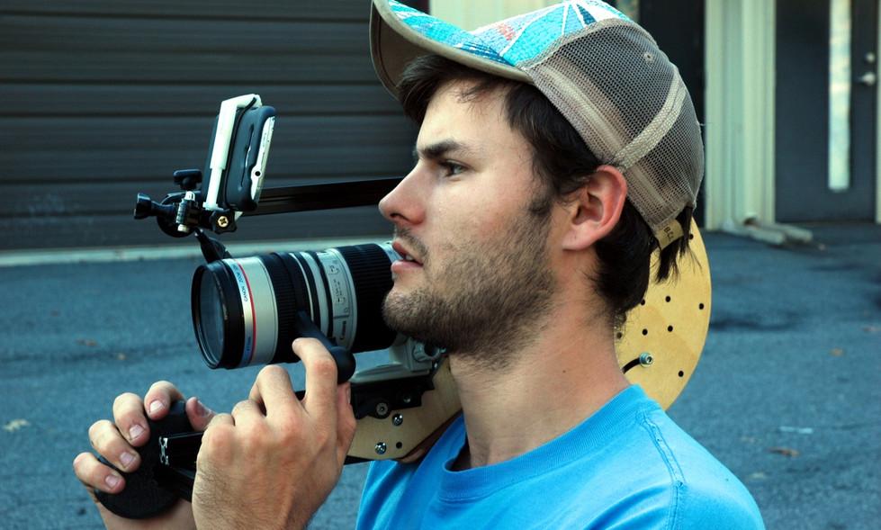 FocusShifter_on_Canon_70-200mm_f2.8l_on_DSLR_CAT_Shoulder_Rig_2.jpg