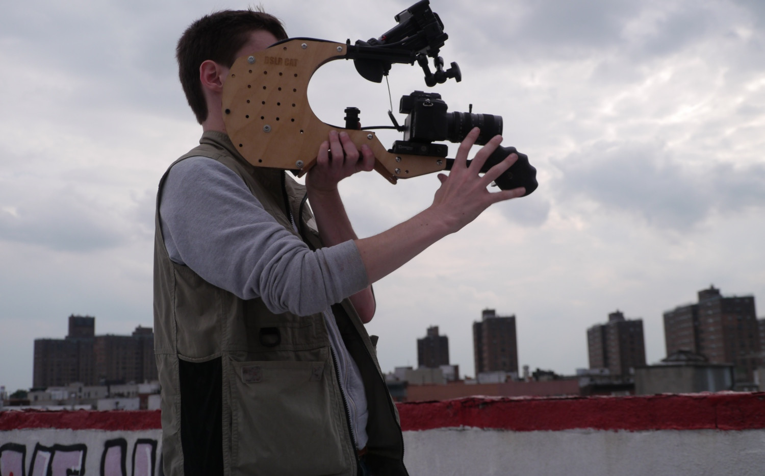 Peter_Haas_DSLR_Cat_Shoulder_Rig_2.jpg