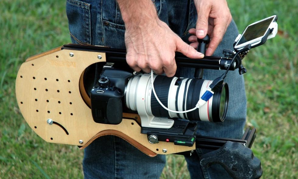 FocusShifter_on_Canon_70-200mm_f2.8l_on_DSLR_CAT_Shoulder_Rig.jpg
