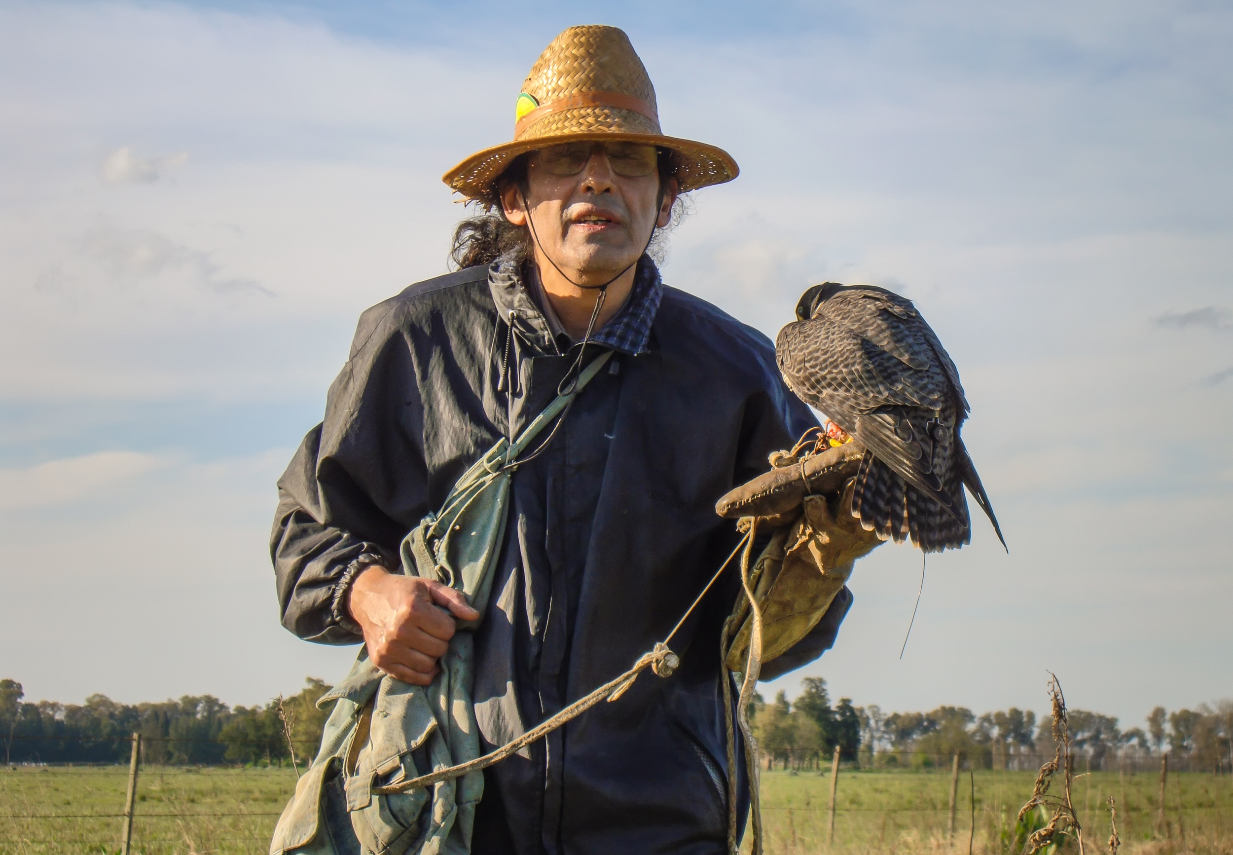 Ricardo soule con halcon peregrino A