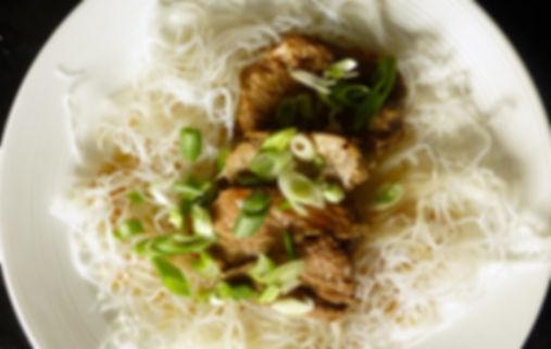 estofado de cerdo estilo chino, cocina china, carne de cerdo, cne de cerdo en salsa, platillo principal